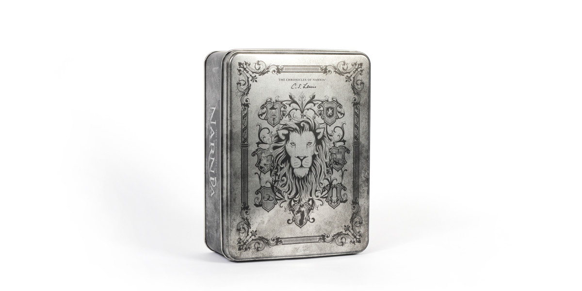 The most beloved classic, Chronicles of Narnia gets the royal treatment with elaborate emblems that surround a tin box featuring King Aslan.